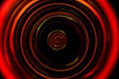 La vue supérieure de la tasse en verre de liquide sur la table, se ferment  Photo stock