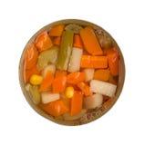 La vue supérieure des légumes mélangés dans ouvert peut Image stock