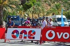 La Vuelta España di contaminazione della squadra di cinepresa di televisione Fotografie Stock
