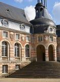La Yonne, le château pittoresque du saint Fargeau image libre de droits