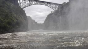 La Zambie de la rivière Zambesi de pont de Victoria Falls Images libres de droits
