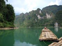 La zattera sul lago chiew Lan, Tailandia Fotografia Stock