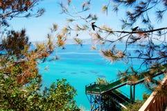 La zona di ricreazione di vista del mare dell'albergo di lusso Fotografia Stock Libera da Diritti
