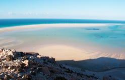 La zone protégée de la plage de Qalansia, de la lagune, des dunes de sable et des montagnes, île de Socotra, Yémen Images stock