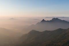 Laag van bergachtergrond Stock Foto