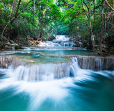Laag van waterval in Huay Mae Khamin Royalty-vrije Stock Fotografie