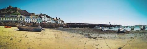 Laag water door Gorey Harbour Royalty-vrije Stock Fotografie