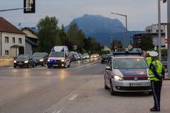 LAAKIRCHEN, AUSTRIA 24 SETTEMBRE 2015: Guardia dei supporti della polizia alla a Immagine Stock