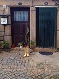 Laarzen door de deur Royalty-vrije Stock Foto