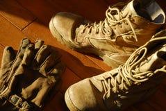 Laarzen en Handschoenen Stock Foto's