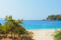 Laat naar het strand gaan Stock Foto