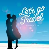 Laat ` s gaan reis, silhouet van een paar in liefde het kussen tegen een achtergrond van de strandmening, vectorillustratie Royalty-vrije Stock Foto's