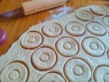 Laat ` s maken donuts Stock Afbeeldingen