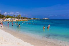 LABADEE HAITI, MAJ, - 01, 2018: Ludzie cieszy się dzień na plaży w Haiti Obraz Royalty Free
