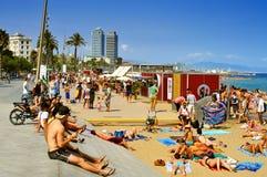 LaBarceloneta strand, i Barcelona, Spanien Arkivbilder
