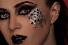 Labbra ed occhi neri di modo Immagine Stock