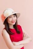 Labbro di rosso di sorriso del gril dell'Asia immagine stock libera da diritti