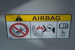Label d'autocollant d'airbag dans la voiture photo libre de droits