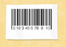 Label de code barres sur un papier d'emballage Photographie stock libre de droits