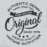 Label de lettrage écrit par main Conception d'habillement pour la copie de pièce en t Images stock