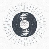 Label de vintage de disque vinyle, croquis tiré par la main, rétro insigne texturisé grunge, copie de T-shirt de conception de ty illustration de vecteur