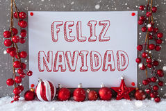 Label, flocons de neige, boules, Feliz Navidad Means Merry Christmas Photographie stock libre de droits