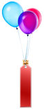 Labels accrochant sur des ballons de couleur Photo stock