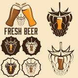 labels de bière avec les transitoires et l'houblon Image stock
