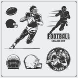 Labels de football américain, emblèmes et éléments de conception Joueur, boules et casques de football Image libre de droits