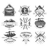 Labels de ski de vintage et ensemble d'éléments de conception illustration libre de droits