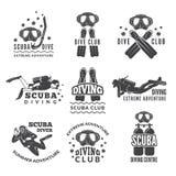 Labels ou logos pour le club de plongée Les photos de vecteur ont placé des plongeurs et de l'équipement spécifique différent Photographie stock