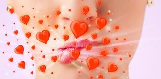 Labios bonitos de la señora con los corazones rojos preciosos Imagenes de archivo
