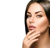 Labios perfectos de la mujer con el lápiz labial mate beige Fotografía de archivo libre de regalías