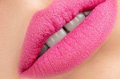 Labios rosados hermosos Imágenes de archivo libres de regalías