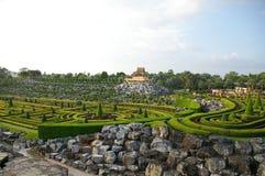 Labirint verde en el jardín de Nong Nooch en Pattaya, Tailandia Imágenes de archivo libres de regalías
