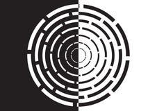 Labirinto circular preto e branco Imagem de Stock