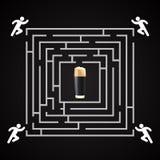 Labirinto da cerveja - o homem corre para um vidro da cerveja escura Fotos de Stock