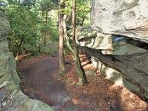 Labirinto dei massi al parco di stato d'attaccatura della roccia immagine stock