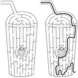 Labirinto do milk shake da morango Imagens de Stock Royalty Free