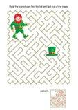 Labirynt gra z leprechaun i jego kapeluszem ilustracja wektor