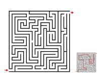 Labirynt i labitynt gra, wektorowy projekt na bielu ilustracji
