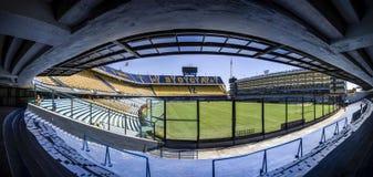 LaBombonera stadion av Boca Juniors i Argentina fotografering för bildbyråer