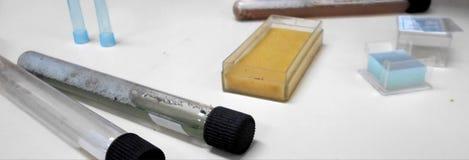 Laboranccy materiały dla testów zdjęcie royalty free