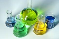 Laborancki Glassware Przeglądać od Above Zdjęcia Royalty Free