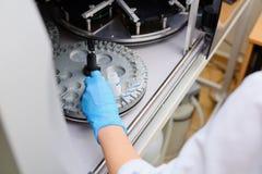 Laborancki immunoassay analyzer Diagnoza zaraźliwe choroby i alergiczne reakcje Prenatal przesiewanie Analiza horm obraz stock