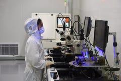 Laboratório microscópio-Dustless do elétron fotos de stock
