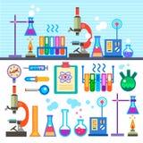Laboratoire chimique dans le laboratoire plat de produit chimique de style Photos stock