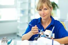 Laboratoire d'ihn de technicien dentaire photo libre de droits
