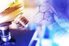 Laboratoire de la Science avec le thème chimique Images stock