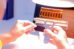 Laboratoire pharmaceutique de contrôle de qualité Photographie stock libre de droits